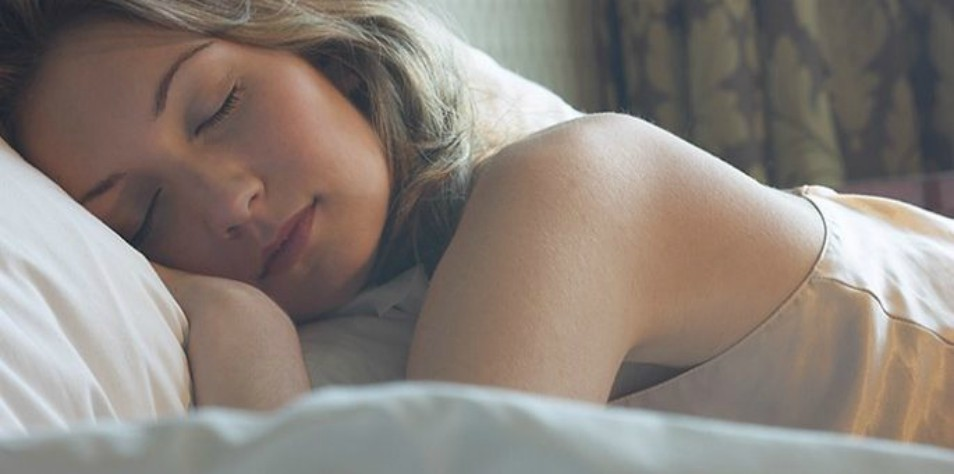 Women Need More Sleep Than Men Because Their Brains Work Harder, According To Science